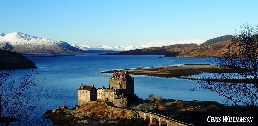 Eilean Donan Castle - Macbackpackers tour - Chris Williamson