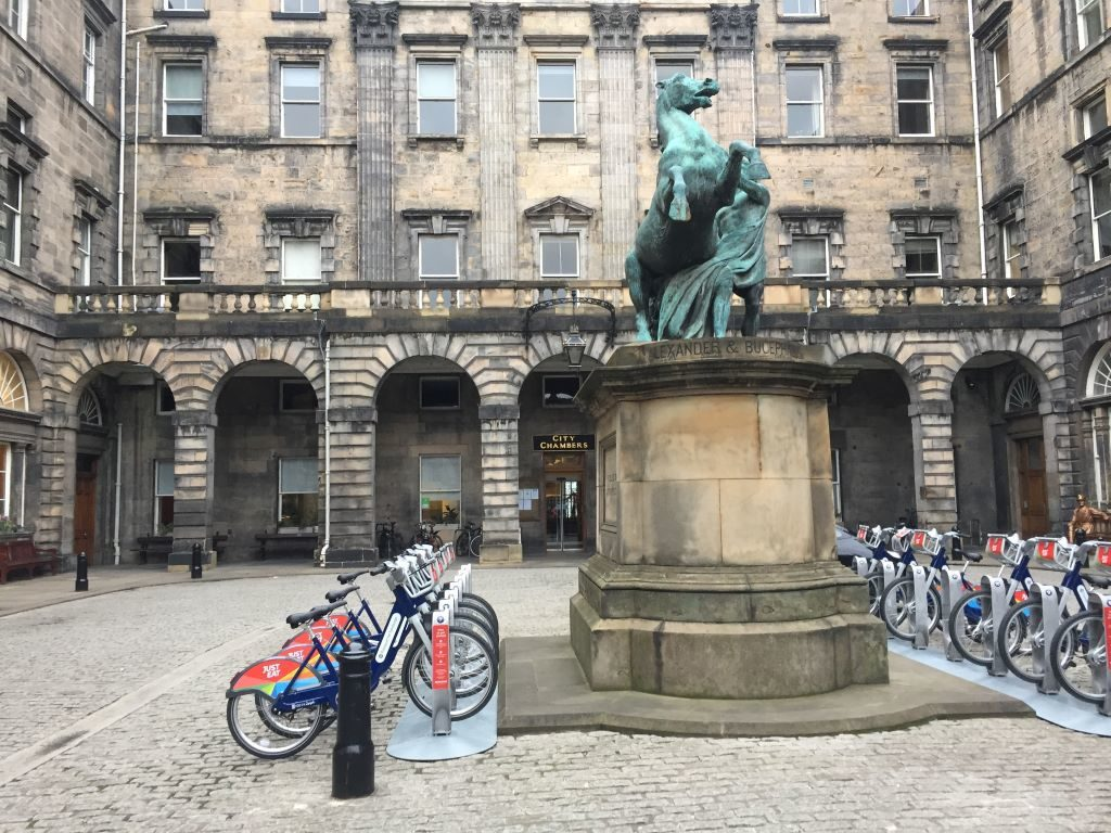 Just Eat Cycles: Royal Mile renting bike edinburgh
